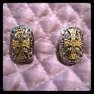 ((Vintage)) Silver/Gold Cross Earrings